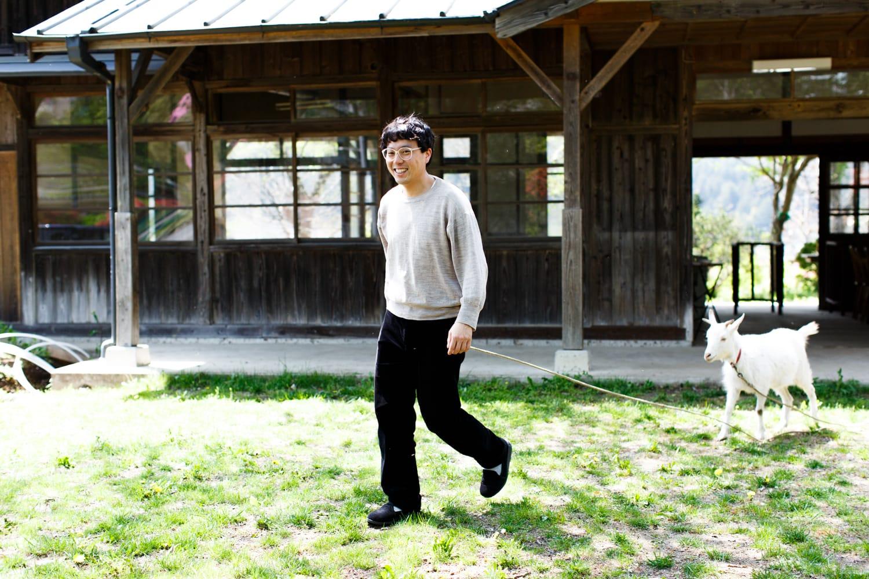 木村さんと、除草係の「ゆきちゃん」