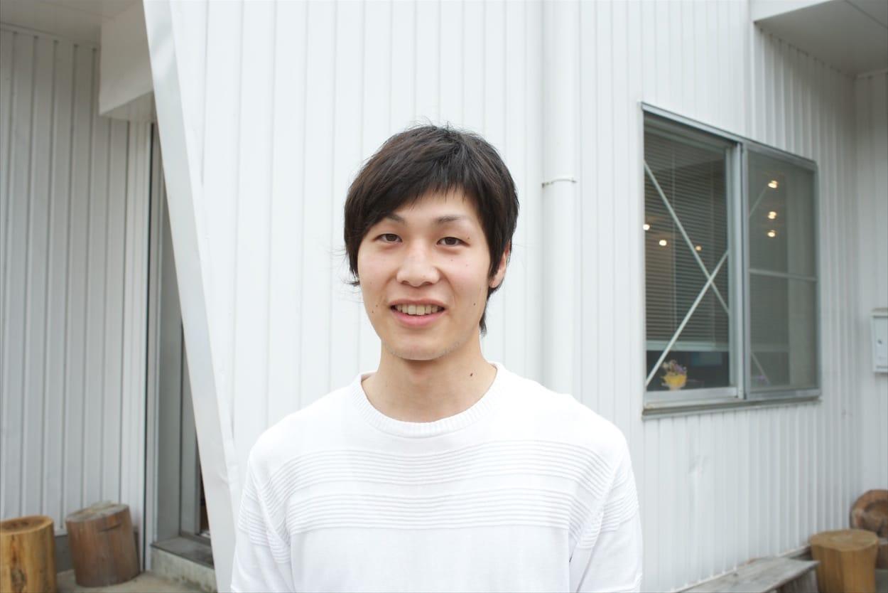 木内康勝/徳島県出身の26歳。香川県で電気設計の技術職をしていたが、「まちづくりに関わりたい」と考え、神山町のNPO法人グリーンバレーに転職。事務局スタッフとして、コンプレックスの管理・運営のほか、全国から訪れる視察者への対応など、幅広い業務に従事する。今回の座談会メンバーでは唯一となる生粋の徳島人。