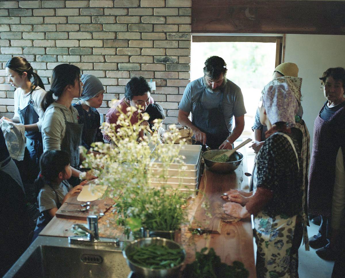 キッチンスペースのプレイベントでは、西海岸のバークレー「シェ・パニース」のシェフ、ジェローム・ワーグが訪れ、料理のワークショップを行った。