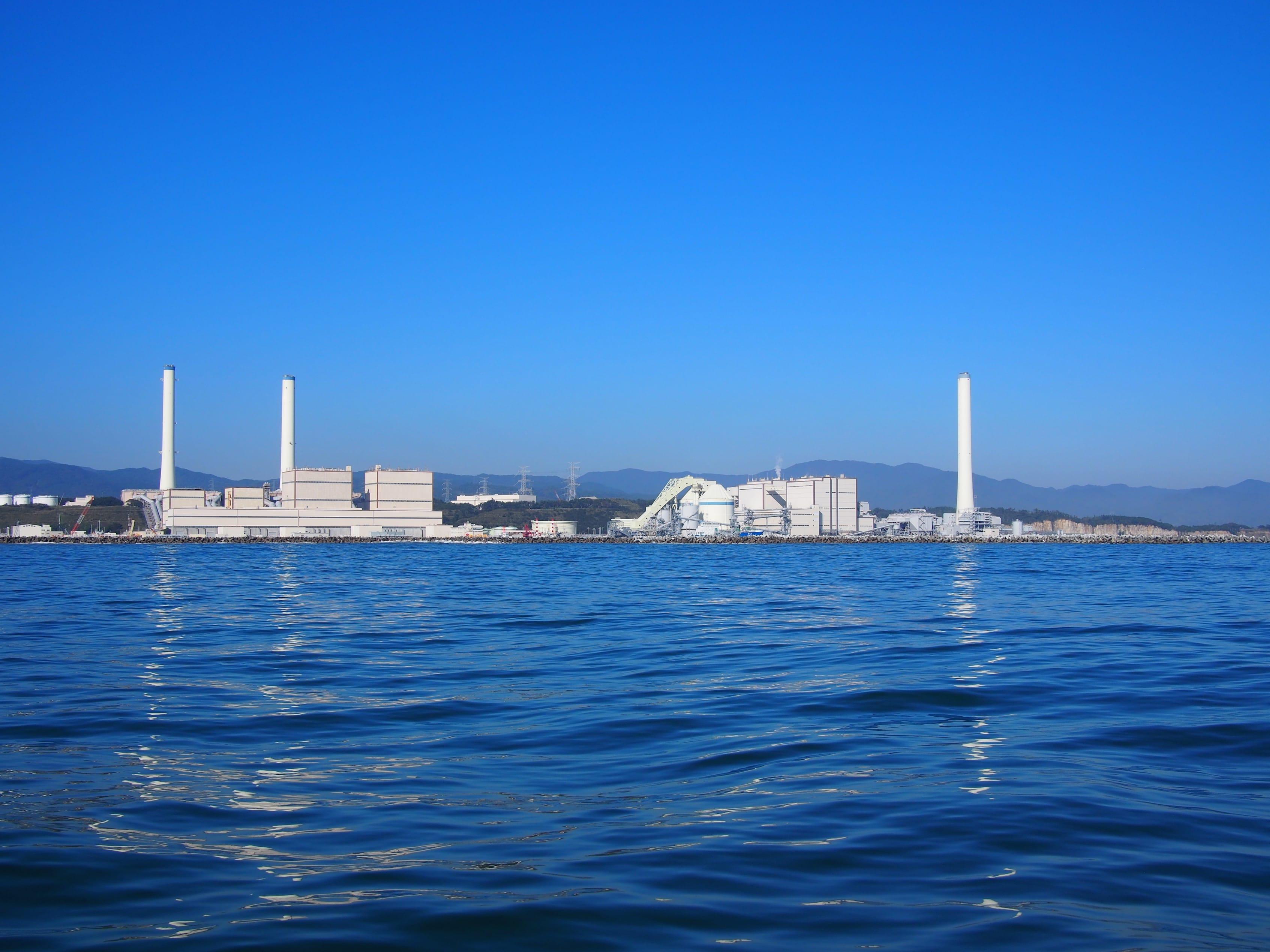東京電力広野火力発電所。現在絶賛フル稼働中。