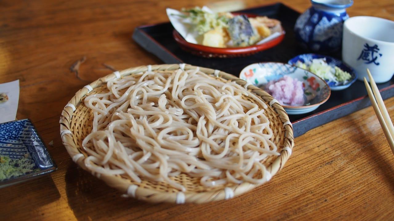 しおやぐらのそばは必食。地酒の「七重郎」もぜひ一緒にどうぞ!