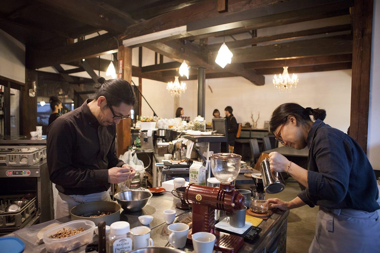 毎週火曜日は、神山「Cafe on y va」で千代田さん自身が珈琲を淹れています。