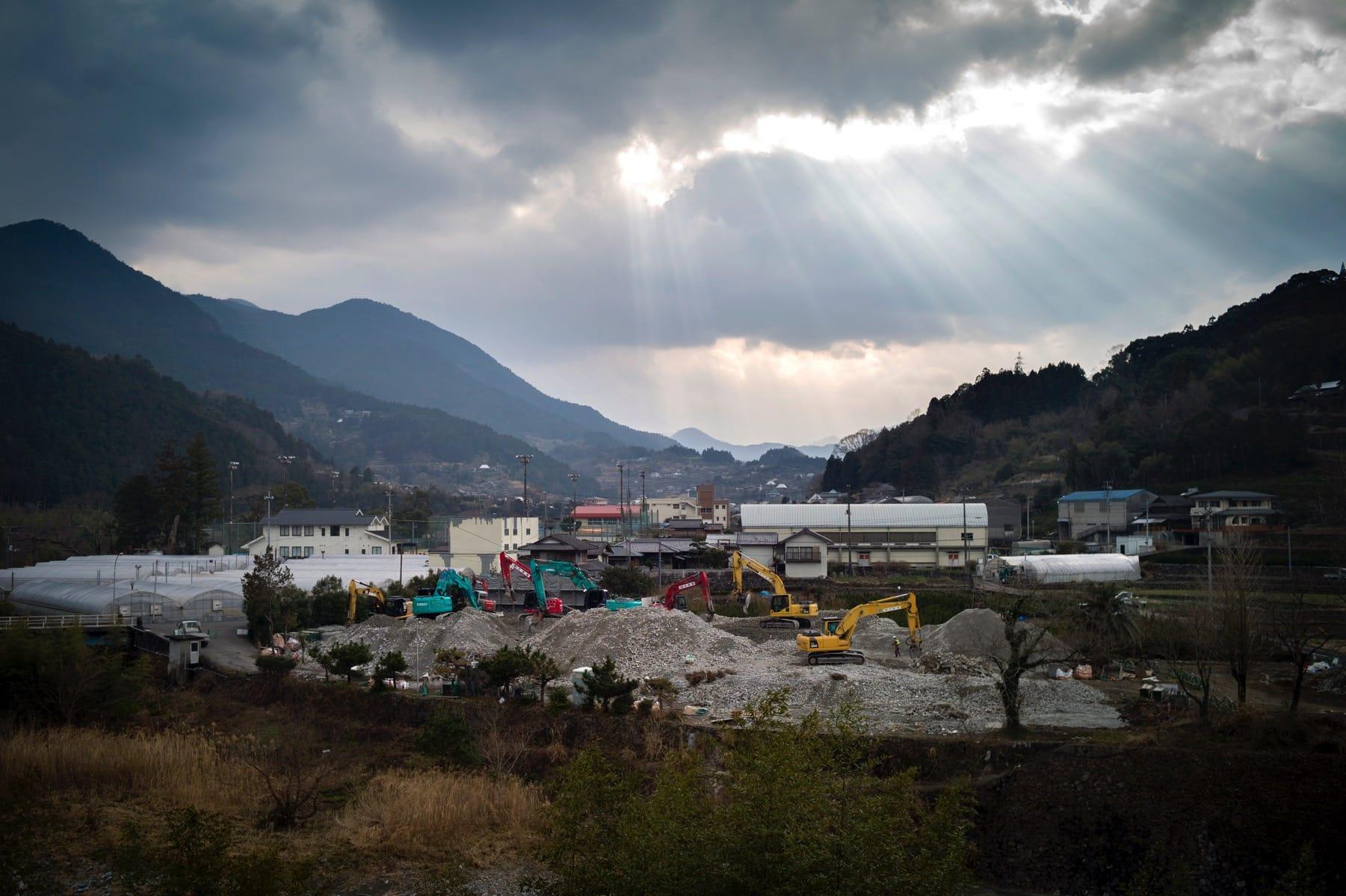 青雲寮を解体中の現場、全景。