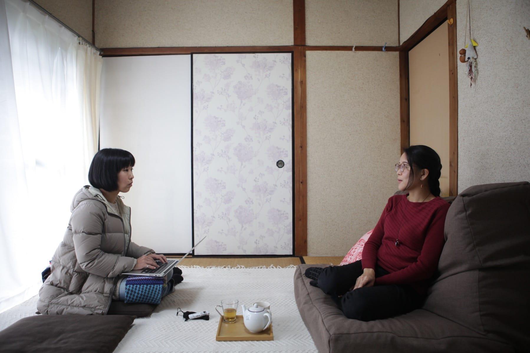 高田友美さんへのインタビューのひとコマ。