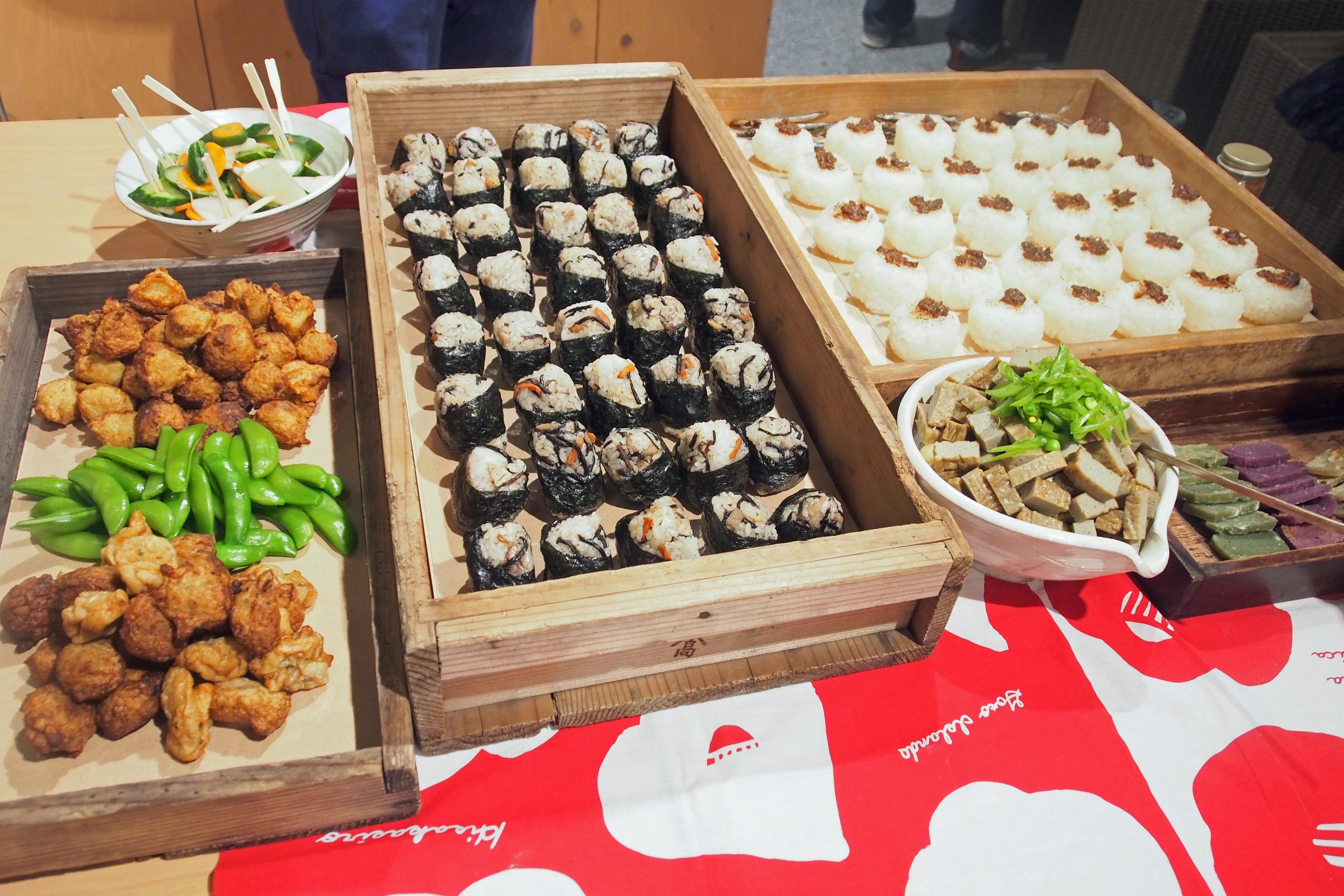 五島の食材を使ったケータリングを食べながら、五島と鎌倉の人が交わるトークイベントも開催。