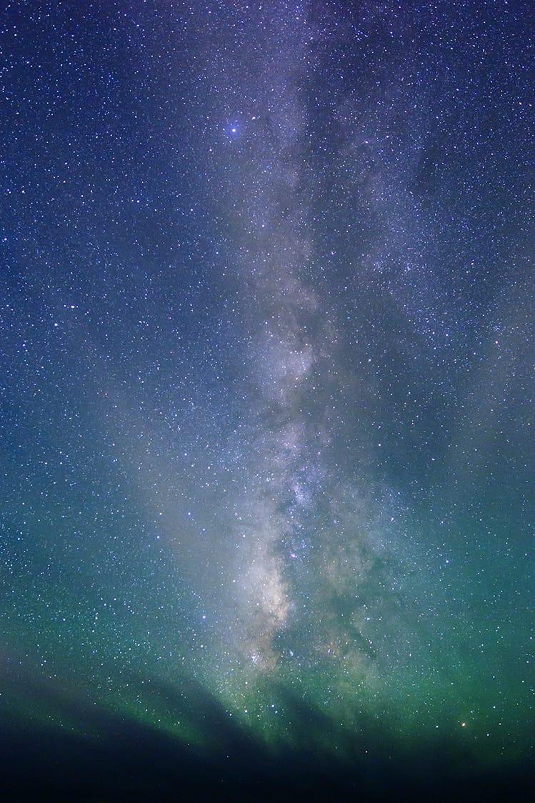 八丈島を覆う夜空の星。(写真:一般社団法人八丈島観光協会)