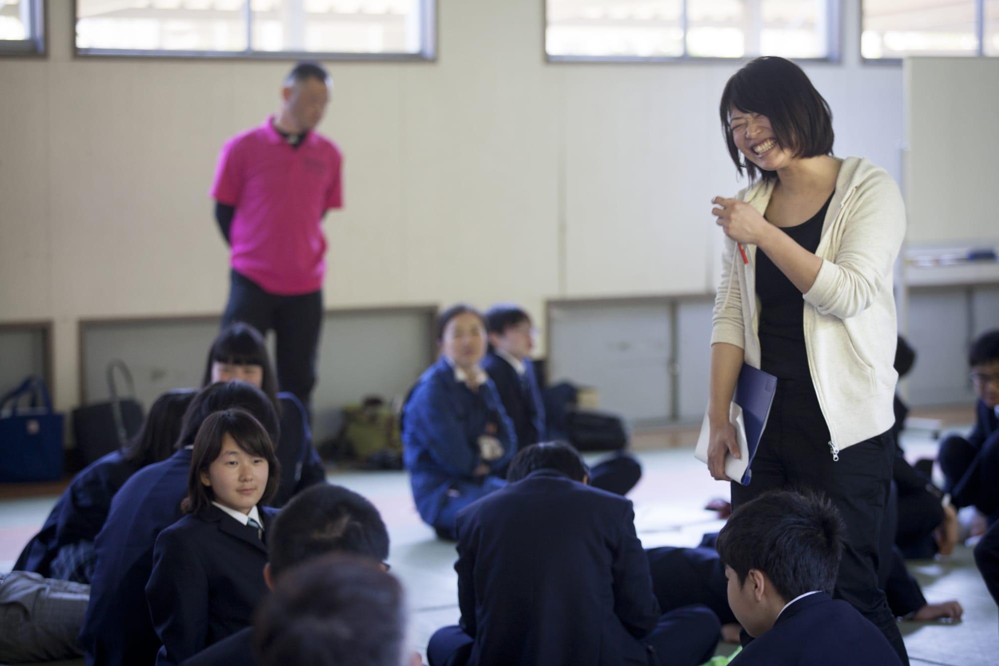 森山さんにとって生徒たちは「いとこくらい」の関係。「先生」ではなく「森山さん」と呼ばれています。