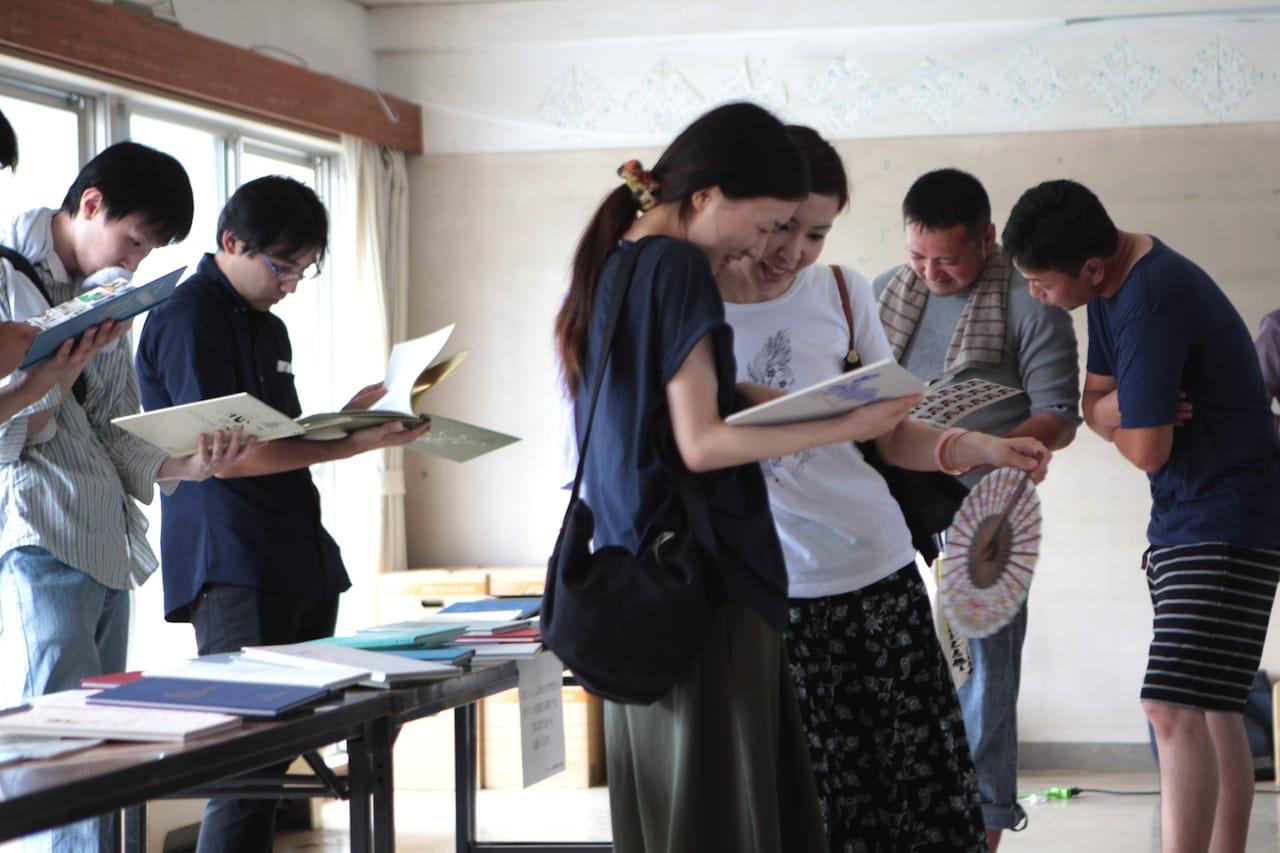 大埜地集合住宅が建つのは神山中学校の元寄宿舎「青雲寮」の跡地。解体前に開かれた「さようなら青雲寮」には、約200名の元寮生がかけつけた。