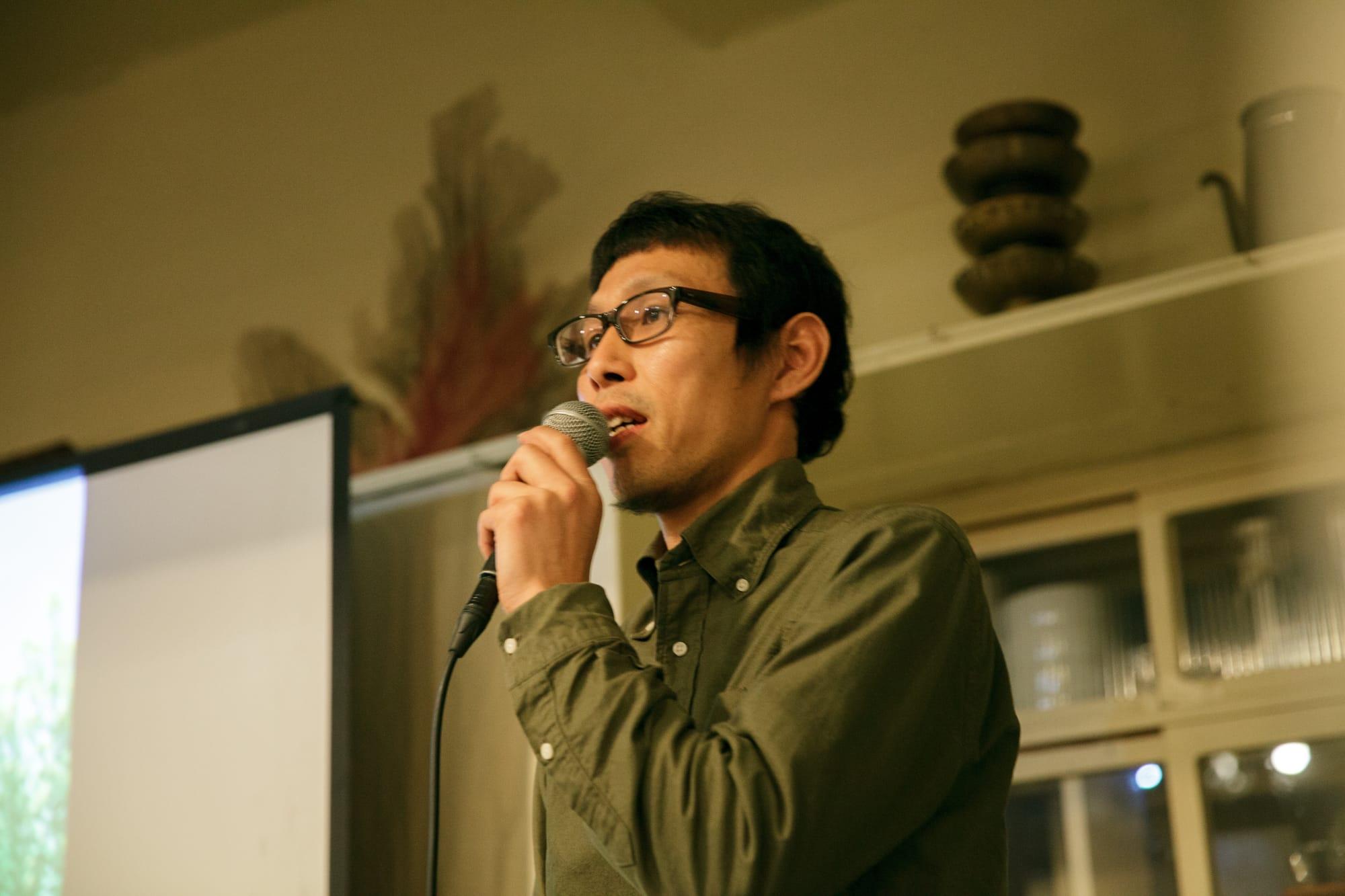 オーガニックベース代表の奥津邇さん。岩崎さんと出会ったことをきっかけに、2013年、家族で長崎県雲仙市に移住した。