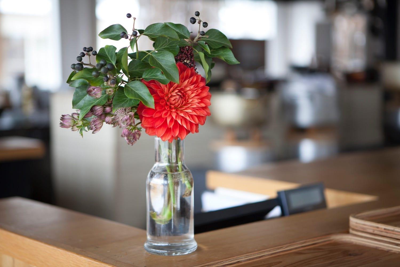 晩餐会のとき、お客さんから川本さんに贈られたお花。
