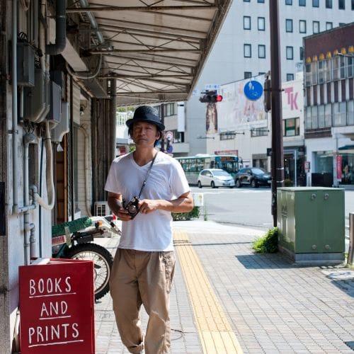 東京に暮らしながら、地元とどう関わりを持ち続けていくか。 浜松にて、写真家・若木信吾さんの大規模な写真展がはじまる。
