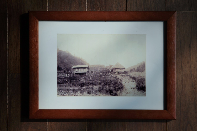 WEEKの大家さん、南さん宅の古写真。この写真にある古民家がWEEK食堂棟に改修されています。
