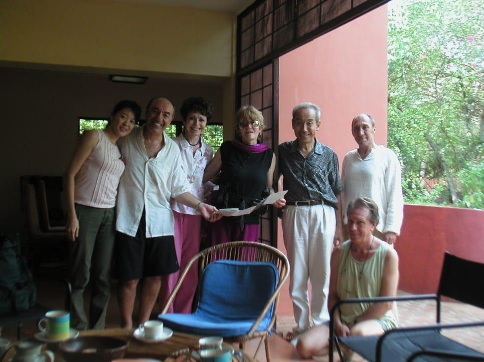 インドのエコビレッジ「Auroville」に行き、コアメンバーの皆さんと意見交換したことも。