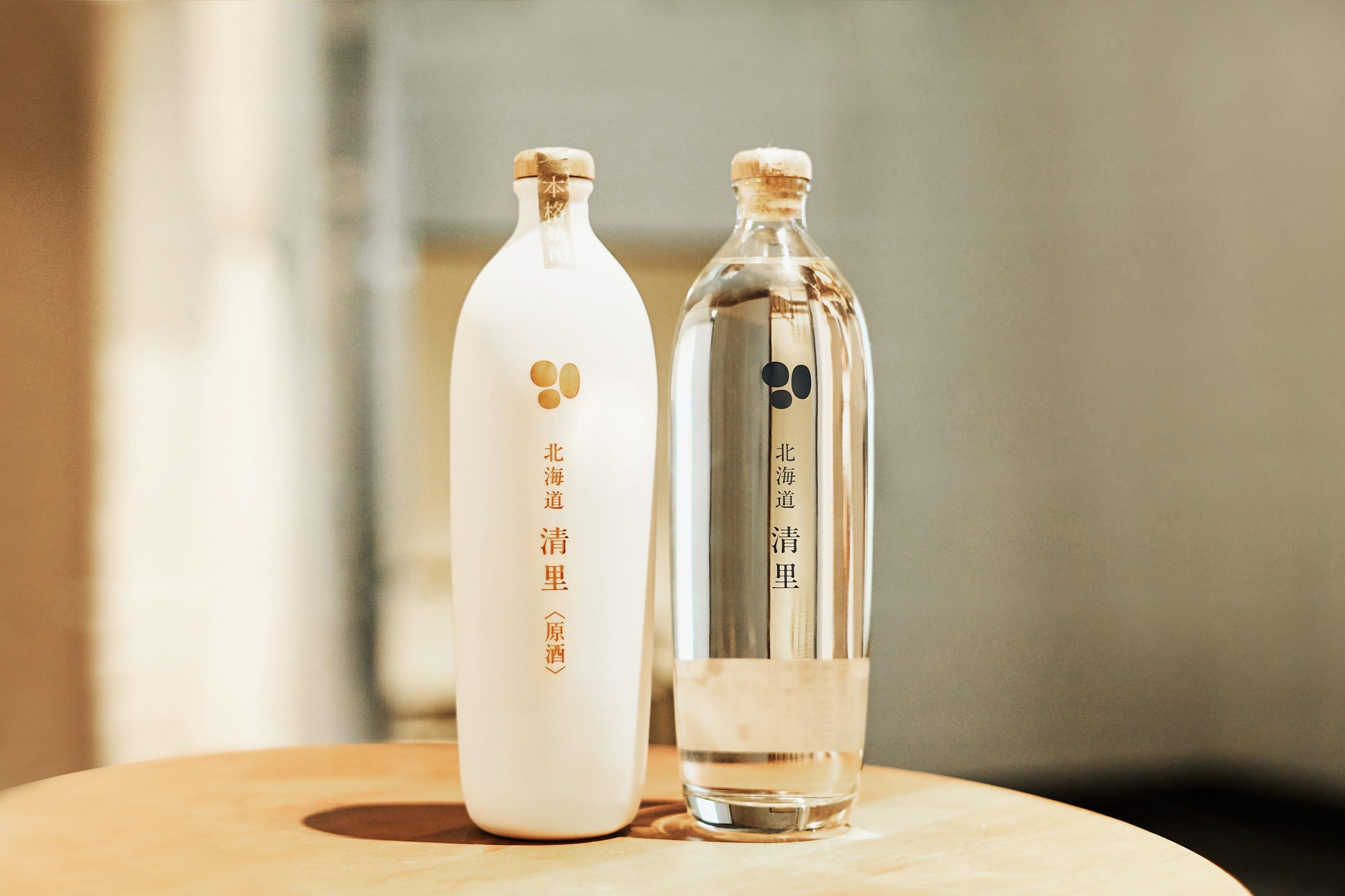 会場では天宅さんがパッケージデザインを担当した、じゃがいも焼酎「北海道 清里」が振る舞われた。