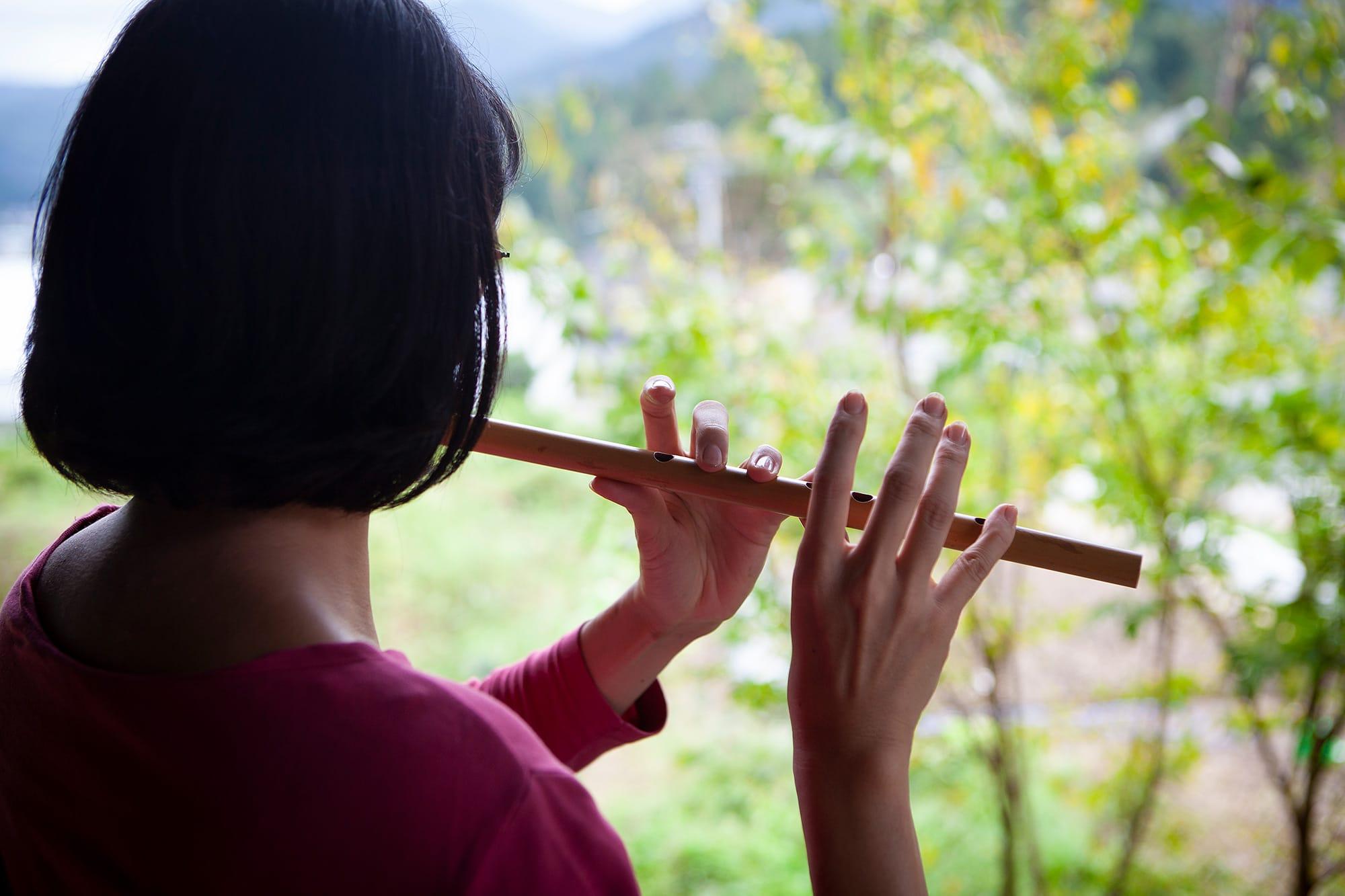 畑で笛を吹いてもらいました。