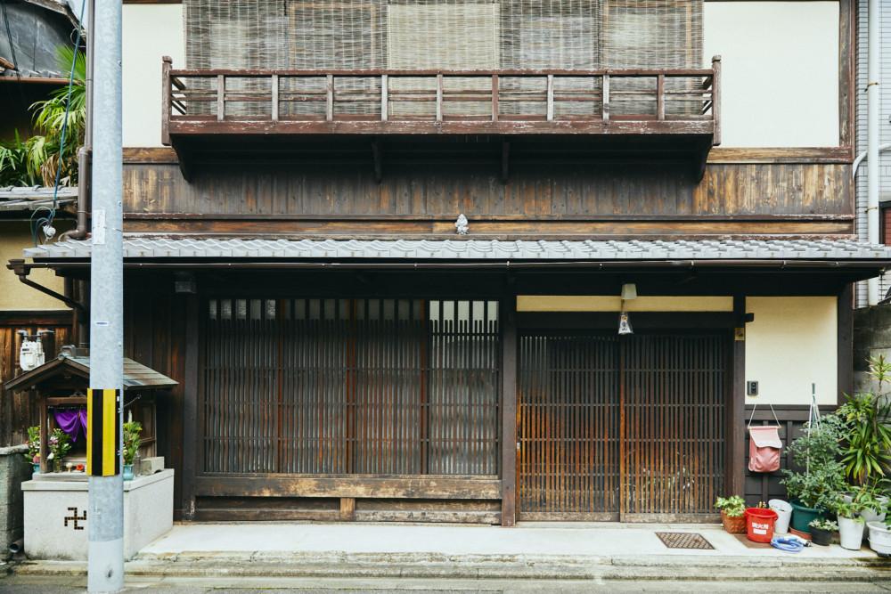 """「元に戻せない改修はできない」 """"預かりもの""""という意識で京町家を改修する大工、大下尚平さんの話。"""